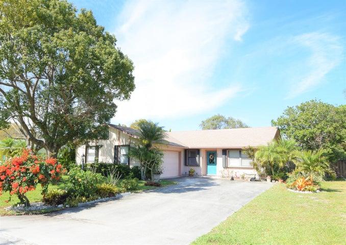 5093 SE Pine Knoll Way, Stuart, FL 34997