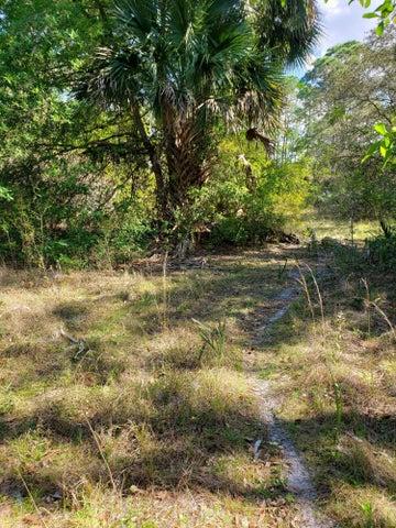9401 SW Hopwood Avenue, Indiantown, FL 34956