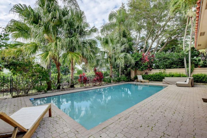 21237 Harrow Court, Boca Raton, FL 33433
