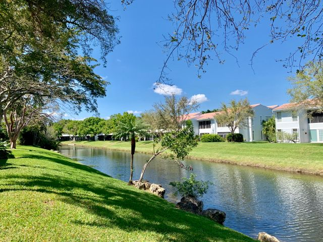 6141 Old Court Road, 230, Boca Raton, FL 33433
