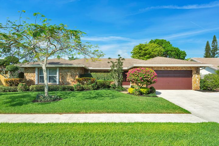 4086 Bay Laurel Way, Boca Raton, FL 33487