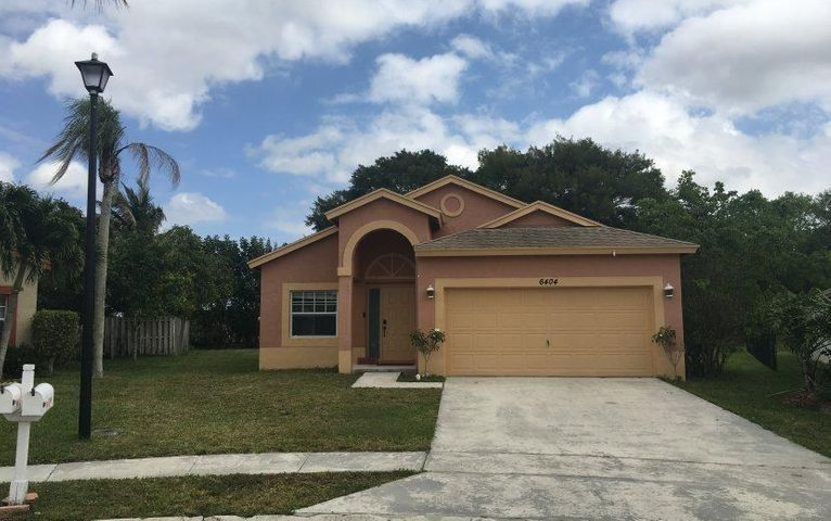6404 Lansdowne Circle, Boynton Beach, FL 33472