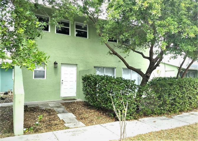 101 Coventry Street, Boca Raton, FL 33487