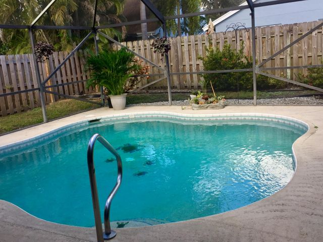 Live Your Best Florida Life & Enjoy a Dip in Your Private Screened Pool
