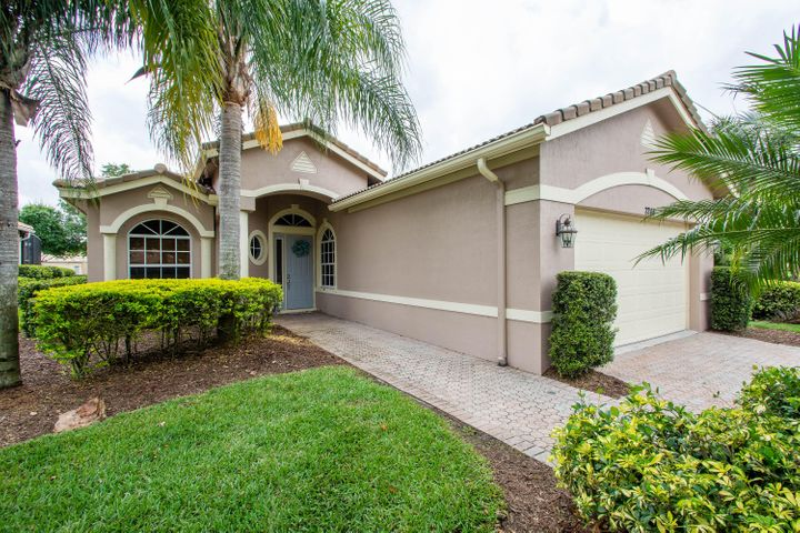 7248 Maidstone Drive, Port Saint Lucie, FL 34986