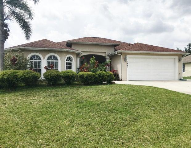 1665 SW Cefalu Circle, Port Saint Lucie, FL 34953