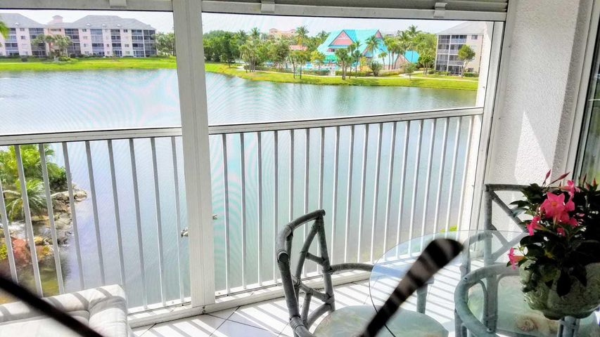 Water Views-Penthouse 4th Floor Unit