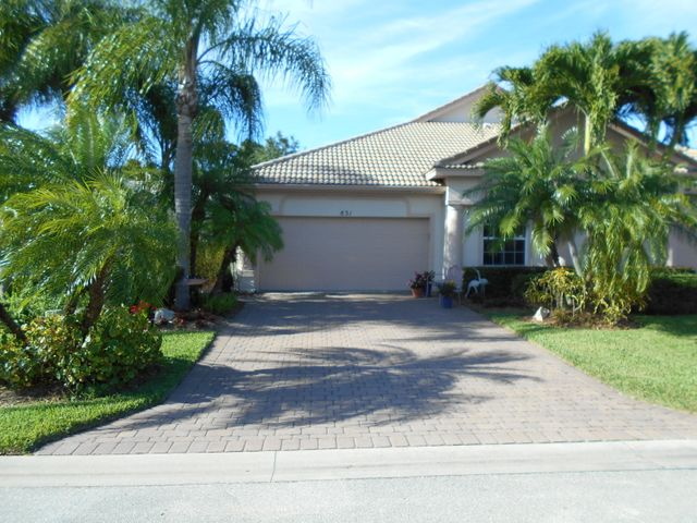 831 NW Red Pine Way, Jensen Beach, FL 34957