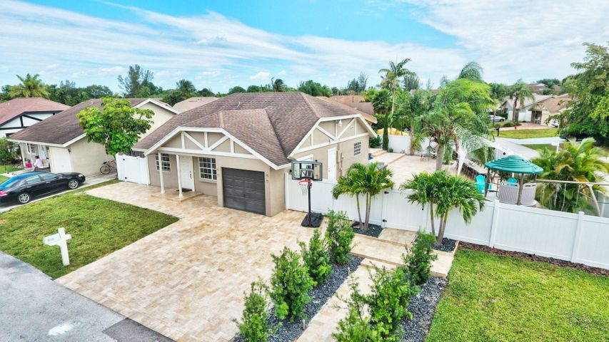 23259 Country Club Drive W, Boca Raton, FL 33428
