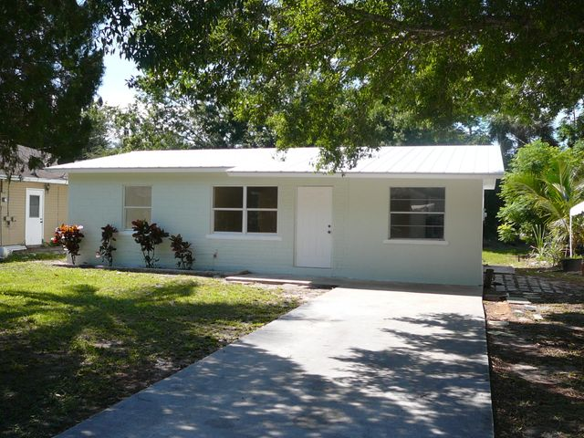 1813 Edgevale Road, Fort Pierce, FL 34982