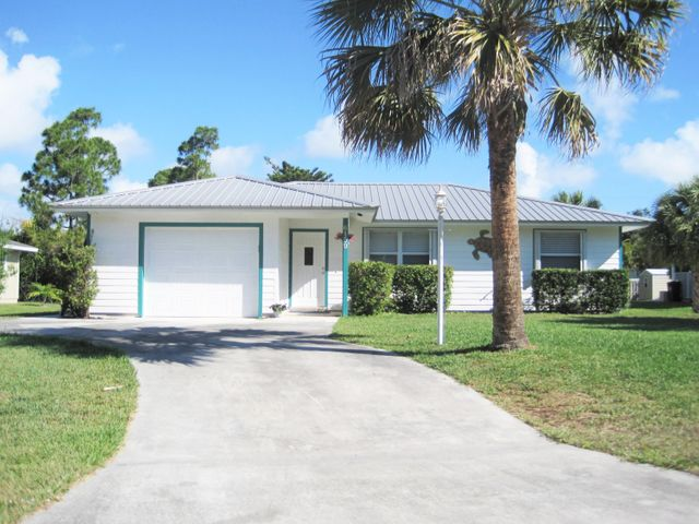 6159 SE Poinciana Lane, Hobe Sound, FL 33455