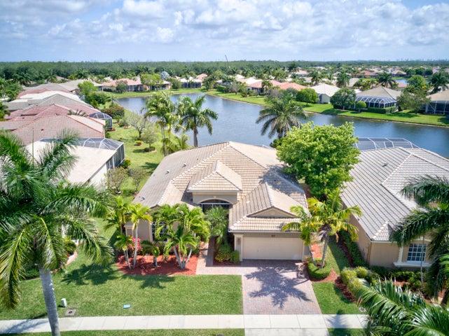 9577 Lantern Bay Circle, West Palm Beach, FL 33411