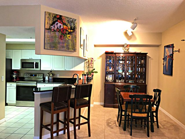 3019 Alcazar Place, 106, Palm Beach Gardens, FL 33410
