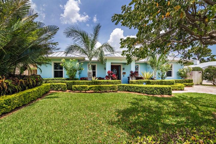 251 Alhambra Place, West Palm Beach, FL 33405