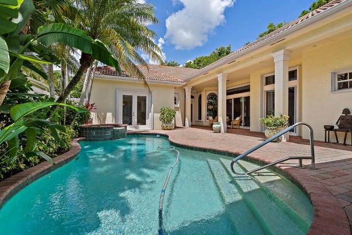 105 Chasewood Circle, Palm Beach Gardens, FL 33418