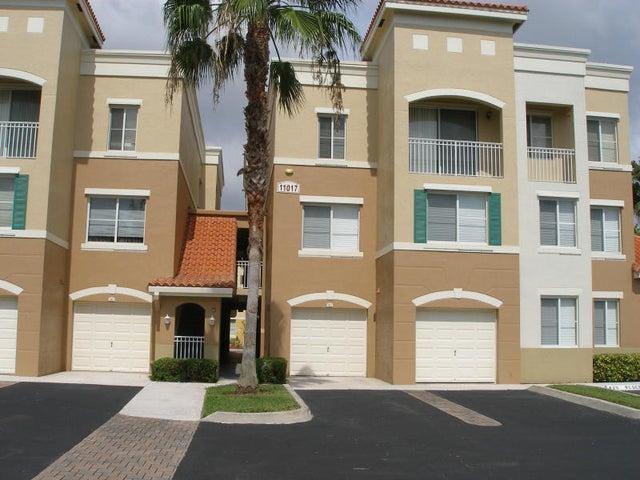 11017 Legacy Lane, Unit 302, Palm Beach Gardens, FL 33410