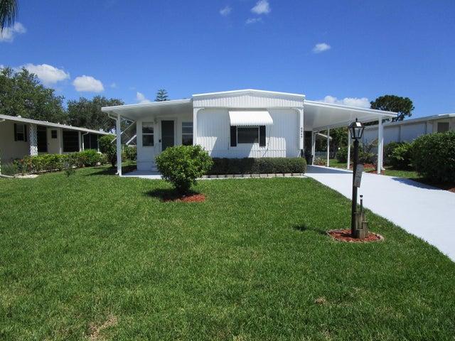6945 SE Amendment Street, Hobe Sound, FL 33455