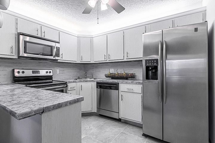 3561 Long Pine Court, B-2, Greenacres, FL 33463