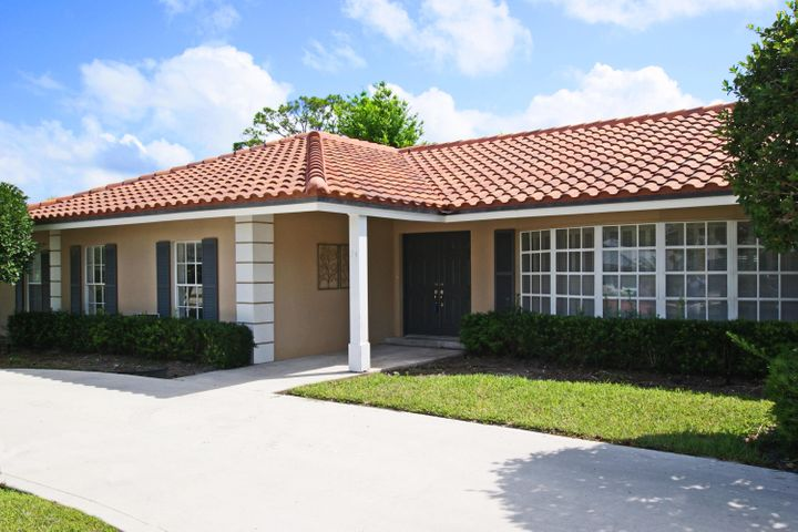 74 Golfview Drive, Tequesta, FL 33469