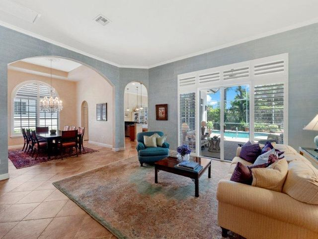 445 Pine Tree Court, Atlantis, FL 33462