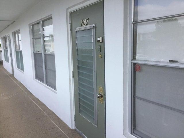 206 Wellington C, West Palm Beach, FL 33417