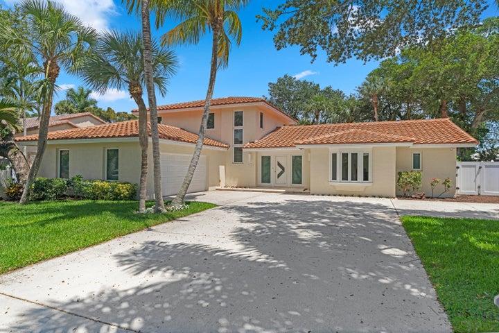 701 Carriage Hill Lane, Boca Raton, FL 33486