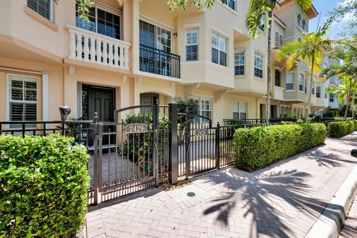 Townhouse Entry/Gated Courtyard