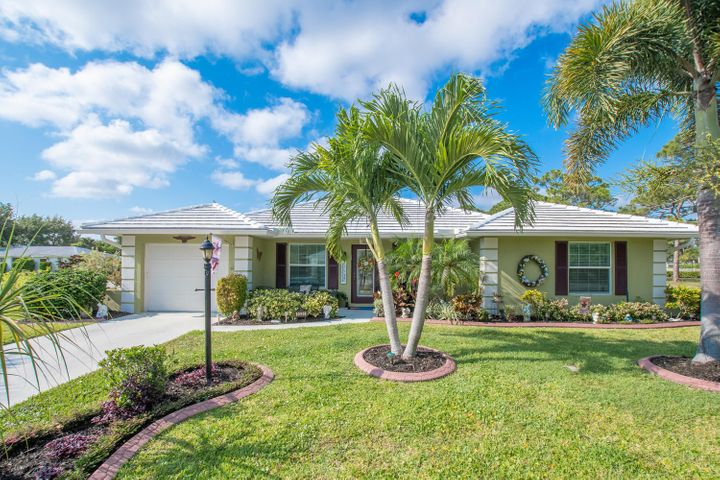 9320 SE Little Club Way N, Tequesta, FL 33469