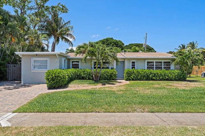 836 Cinnamon Road, North Palm Beach, FL 33408