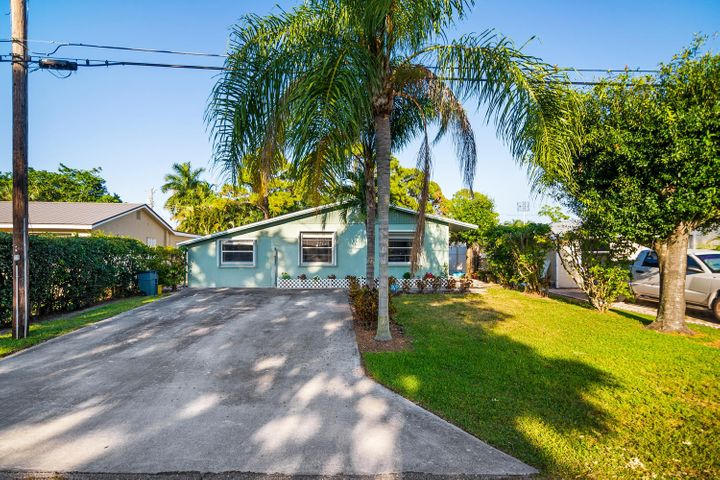 405 Pinegrove Avenue, Jupiter, FL 33458