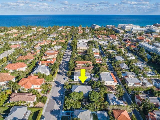 250 Seminole Avenue, 9, Palm Beach, FL 33480