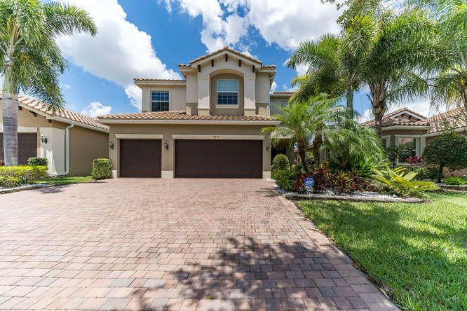 10540 Palacio Ridge Court-small-049-46-1