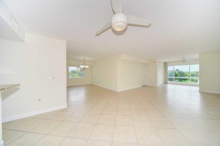 5842 Crystal Shores Drive, 401, Boynton Beach, FL 33437