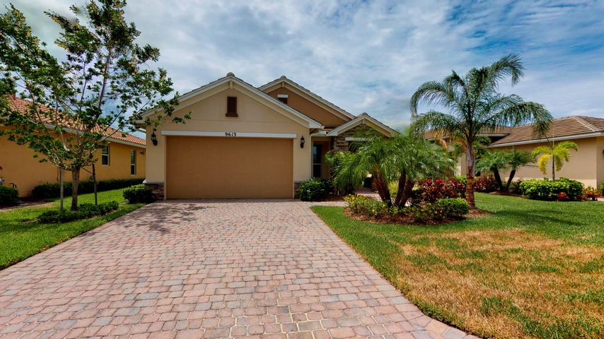 9613 SW Royal Poinciana Drive, Port Saint Lucie, FL 34987
