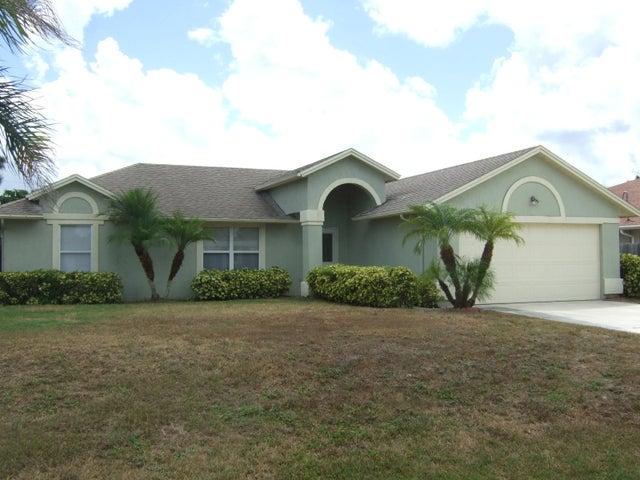 940 SW Abingdon Avenue, Port Saint Lucie, FL 34953