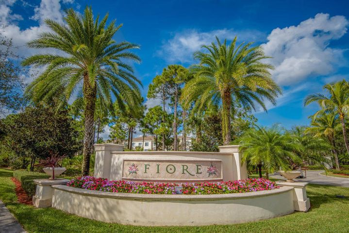1208 Myrtlewood Circle E, Palm Beach Gardens, FL 33410