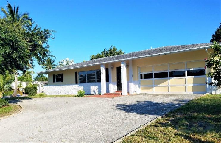 902 SW 27th Avenue, Boynton Beach, FL 33435