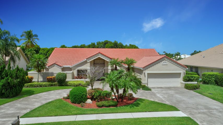 Welcome to 17559 Bociare Way! The Muirfield II Model is a 4 Bedroom, 3 Bath Ranch Style Home