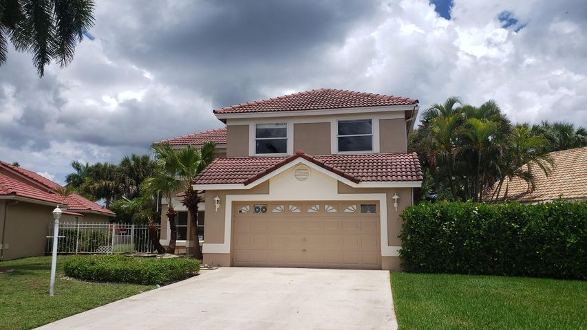 Here's your opportunity to own this lovely 4 bedroom home in Boca Raton on a cul-de-sac with a  low HOA and centrally located near all. Large Back yard with plenty room for a pool. Don't let this one pass you by.