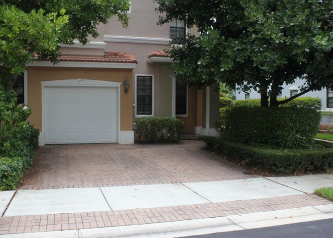 127 Delancy Avenue, Delray Beach, FL 33484