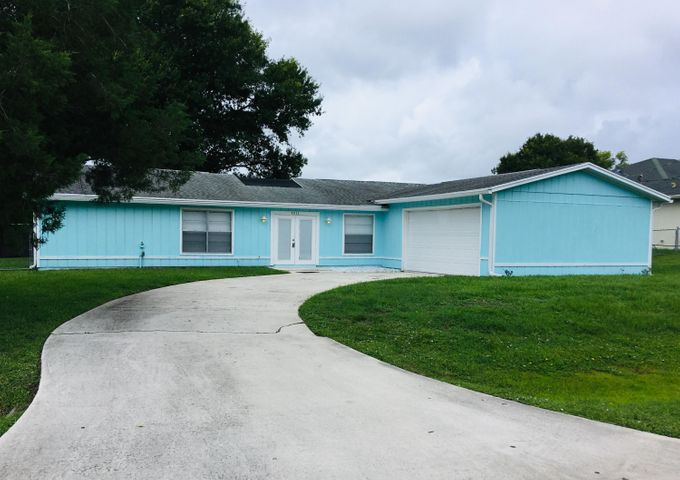 5211 Seagrape Drive, Fort Pierce, FL 34982