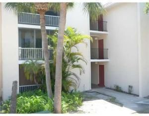 Investors, students, hospital employees. Great location across the street from FAU and next door to Boca Raton Community Hospital. Move in ready  2/2 with bottom floor walkout offers screened patio, tile floor throughout, updated kitchen and baths in 2014. Close to I-95, beaches, shopping , Mizner Park etc.