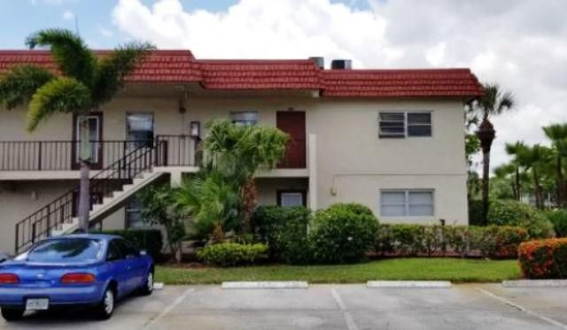 Great opportunity with this condo at Villages Oriole Abbey Condo. the unit has 2bedrooms and 2 bathrooms. Needs some new flooring throughout and updating. Atthis price could be well worth your investment. Come take a look today.