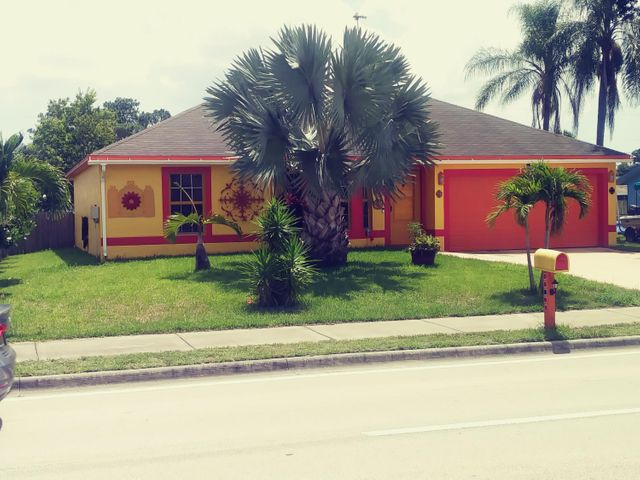 1967 SE Airoso Boulevard, Port Saint Lucie, FL 34984