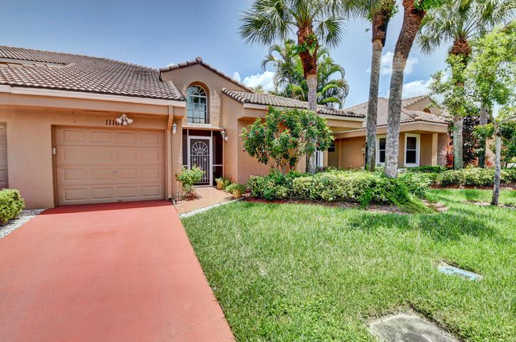 Step into this tranquil 2/2 villa!  It has been completely updated with granite countertops, Stainless steel appliances, white designer cabinetry!  Enjoy a cup of coffee outback in the screened in patio while gazing at the wildlife.This community is close to shopping and dining, live stress free in this gorgeous 55+ community ...call now!  This one of a kind home is a GEM!!!