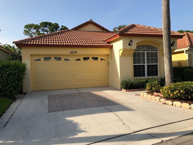 2074 Bonisle Circle, Palm Beach Gardens, FL 33418