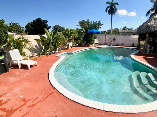 100 NW 54TH CT