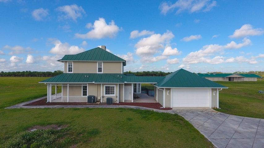 13700 SW Groveside Drive, Indiantown, FL 34956