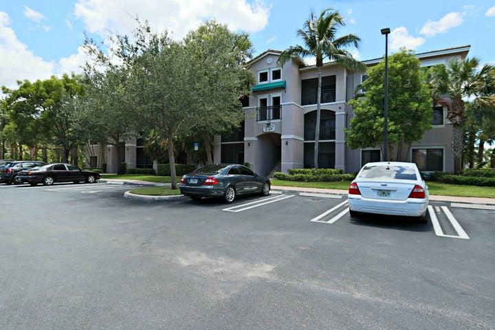 2724 Anzio Court, 108, Palm Beach Gardens, FL 33410