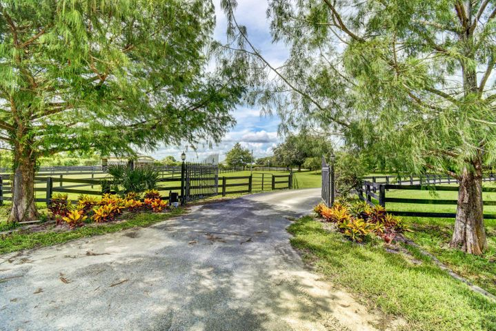 16820 Deer Path Lane, Wellington, FL 33470